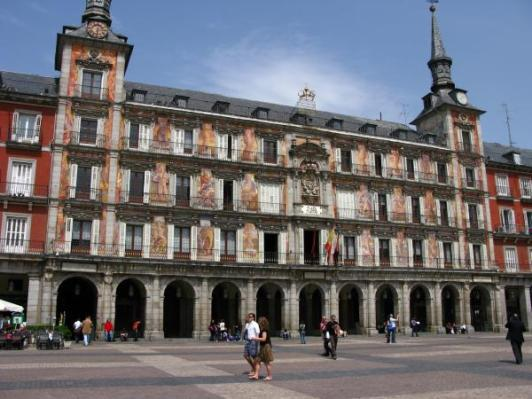 casa-de-la-panaderia-plaza-mayor-de-madrid-1301565618-g