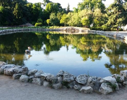 Parques y jardines de madrid quinta de la fuente del for Piscina fuente del berro