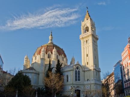 Iglesia_de_San_Manuel_y_San_Benito_-_02