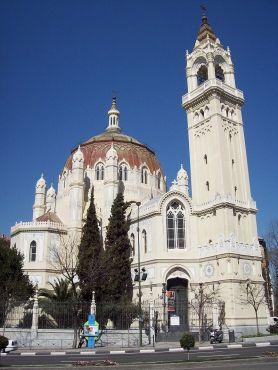 800px-Iglesia_de_San_Manuel_y_San_Benito_(Madrid)_13