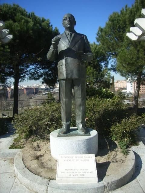 Monumento a Enrique Tierno Galván. Foto: Madrid, Ciudadanía y Patrimonio