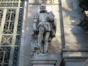 estatua-Cervantes-Bibilioteca-nacional-2