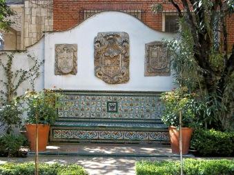 Banco de entrada al Museo Sorolla