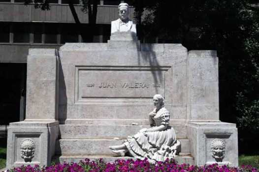 Monumento a J. Valera. Foto: Jorge Tutor
