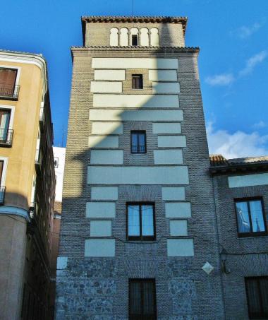 Torre de los Lujanes.