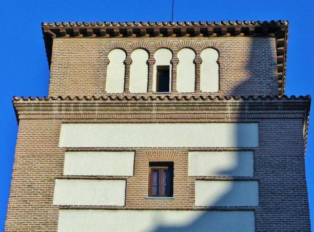 Torre de los Lujanes (Detalle del cuerpo superior).