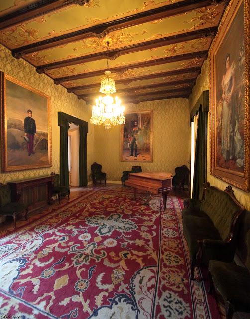 Salón de los Cueros. Foto propia